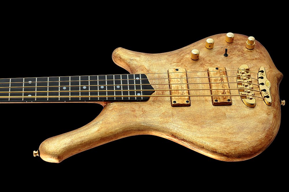 Mayones Comodous 5 Aged Gold - Master Builder Collection 2011 - Eye Poplar top, Swamp Ash body back & Wenge middle, Rosewood fretboard, 9-ply Maple-Mahogany neck-thru-body section