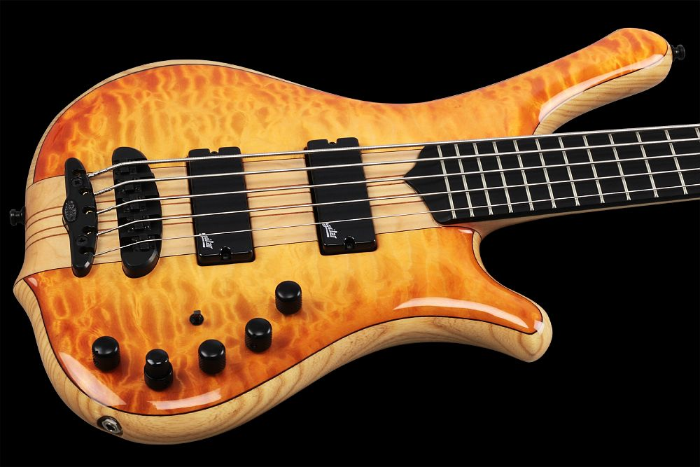 Mayones Comodous 5 Custom Quilted Maple - Master Builder Collection 2014 - Quilted Maple body top & back, Swamp Ash body core, Wenge middle, Ebony fretboard, 9-ply Maple-Mahogany neck-thru-body section