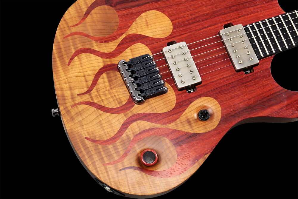 Mayones Regius 6 Flames - Master Builder Collection 2014 - Volume (push-pull for coil splitting) control, 3-way toggle switch, wooden knob