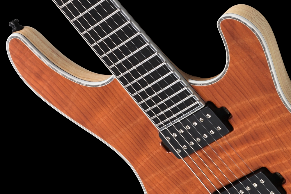 Mayones Regius 7 Redwood Curly - Master Builder Collection 2014 - Easy access to the upper frets