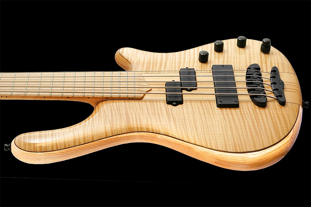 Mayones Elegance Classic 5 Flamed Maple top Trans Natural Gloss finish - slim contoured body, easy access to the upper frets
