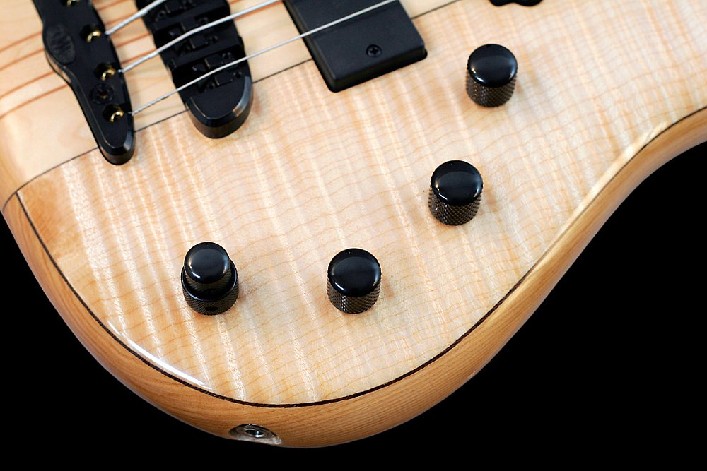 Mayones Elegance Classic 5 Flamed Maple top Trans Natural Gloss finish - Bartolini H.R 4.6 3-band EQ preamp